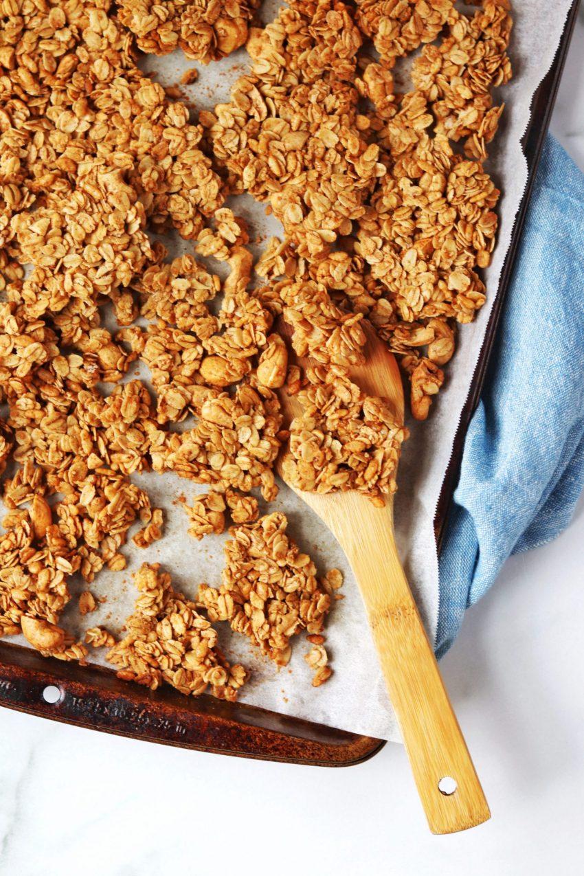 Cinnamon toast crunch granola - Daisybeet