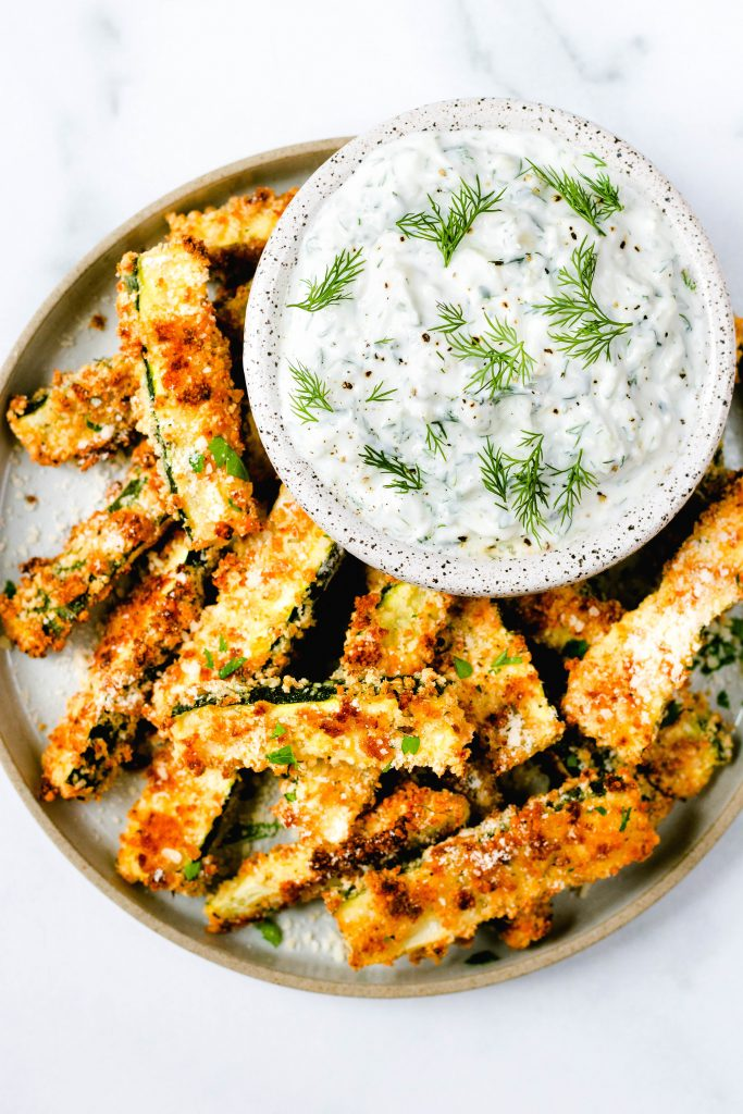 Parmesan Baked Zucchini Fries with Tzatziki Dipping Sauce - Daisybeet