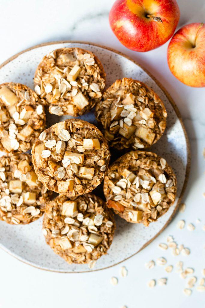 Apple Cinnamon Baked Oatmeal Cups (Vegan, Gluten Free) - Daisybeet