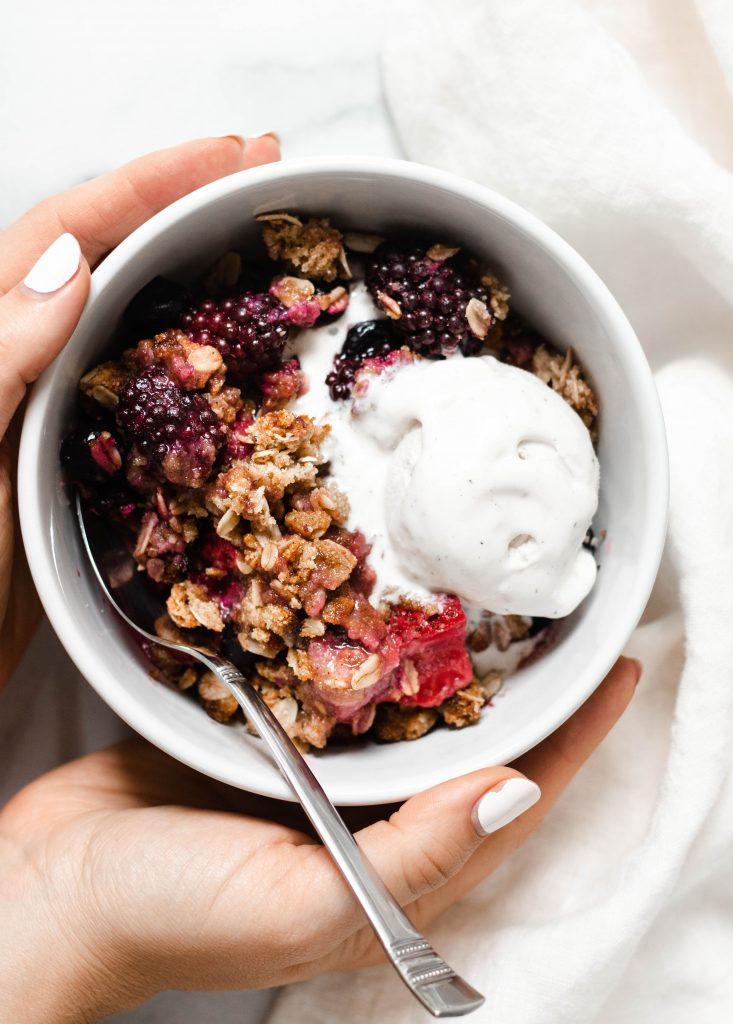 Mixed Berry Crisp (Vegan, Gluten Free) - Daisybeet