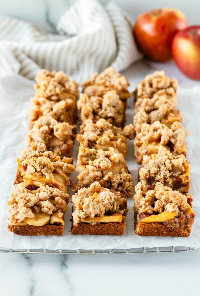 Apple Pie Bars with Streusel Topping (Gluten Free) - Daisybeet