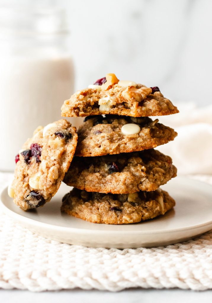 Cranberry White Chocolate Oatmeal Cookies with Walnuts - Daisybeet