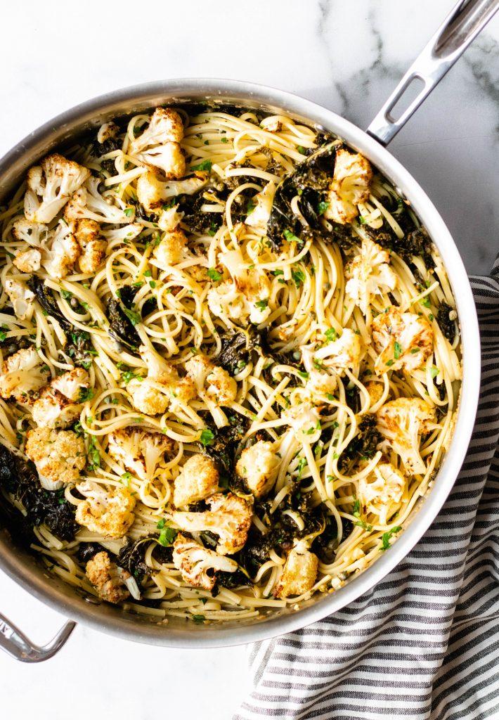 Cauliflower and Kale Pasta with Lemon Garlic White Wine Sauce - Daisybeet
