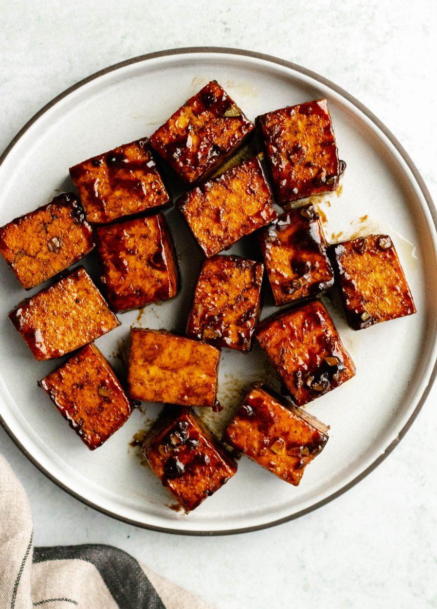Plate of honey balsamic tofu