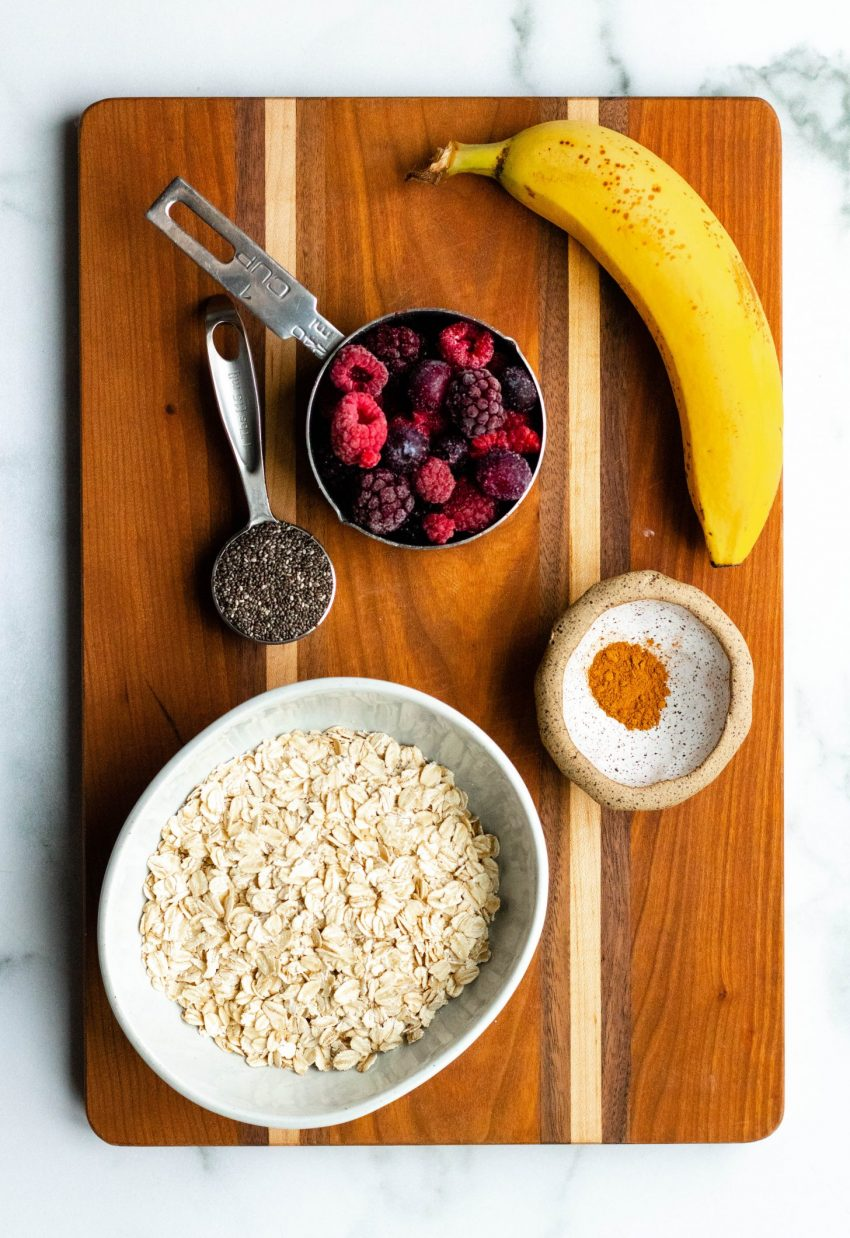 Berry banana stovetop oatmeal ingredients